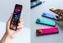 Photo of مؤسس شركة Essential أندي روبن يعرض هاتف قادم بشكل طولي وضيق الجوانب وبألوان جذابة