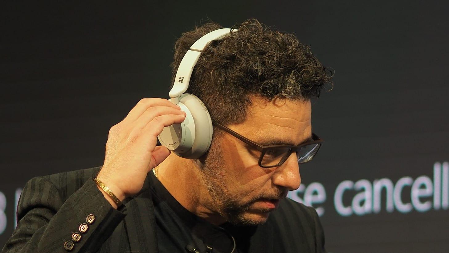 Surface-Headphones (1)