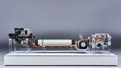 صورة ألقِ نظرة خاطفة تحت جلد سيارات الدفع الرباعي الكهربائية الهيدروجينية القادمة من BMW