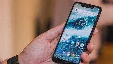 صورة الهاتف Motorola One يبدأ رسميًا بتلقي تحديث Android 10