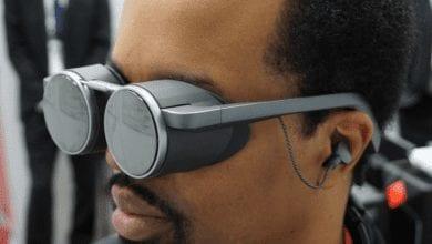 صورة باناسونيك تعرض نظارة واقع افتراضي مدمجة بتقنية HDR