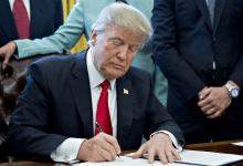 صورة ترامب يقدم تفسير مثير للجدل حول القيود المفروضة على هواوي