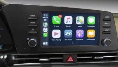 صورة دراسة: سائقو السيارات الذين يستخدمون Apple CarPlay مشتتون أكثر من السائقين المخمورين