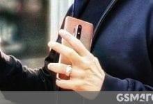 صورة رصدت OnePlus 8 Pro في أيدي روبرت داوني جونيور