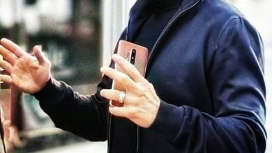 Photo of رصد الهاتف OnePlus 8 Pro في أيدي الممثل الأمريكي الشهير Robert Downey Jr