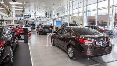 صورة قد يتسبب COVID-19 بالفعل في انخفاض مبيعات السيارات الجديدة