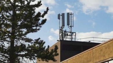 Photo of مخاطر الجيل الخامس المزيفة: هل هناك أي مخاطر صحية ناتجة عن إشارات 5G؟