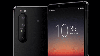 صورة هاتف Xperia 1 II يضم اثنان من مستشعرات سوني مع اثنان من مستشعرات سامسونج