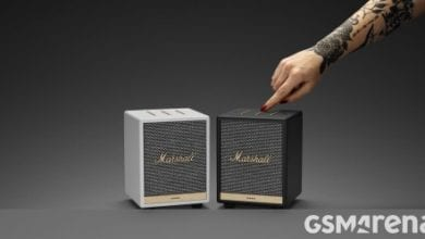Photo of يقوم Marshall Uxbridge Voice بحزم Alexa و AirPlay 2 في صندوق صغير