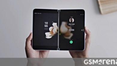 صورة يمكن أن يصل Microsoft Surface Duo قبل الموعد المحدد ، ولكن مع أجهزة من الجيل الأخير