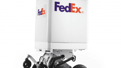صورة FedEx تكشف عن أحدث روبوت لتوصيل البريد ذاتياً