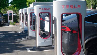 صورة Tesla كشفت عن الجيل الثالث من محطات الشحن السريع V3 للسيارات الكهربائية