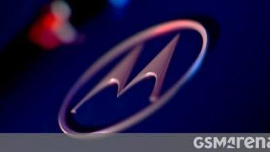صورة أسقطت Motorola للتو مجموعة كاملة من مقاطع الفيديو الترويجية على Edge و Edge + الجديد