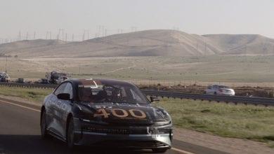 صورة السيارة الكهربائية Lucid Air تكمل حلقة 400 ميل بين سان فرانسيسكو ولوس أنجلوس