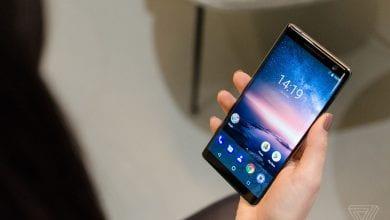 صورة الهاتف Nokia 8 Sirocco يبدأ بدوره اليوم بتلقي تحديث Android 10