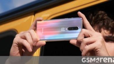صورة مراجعة فيديو OnePlus 8 جاهزة