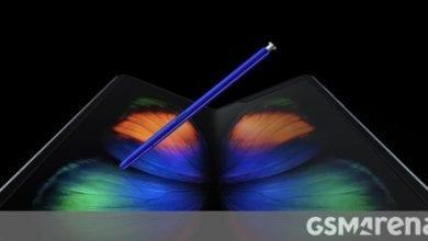 صورة شائعات Samsung Galaxy Fold 2: انخفاض السعر 100 دولار ، وشاشة 120 هرتز مع دعم S Pen