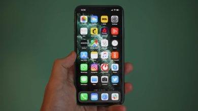 صورة كيفية إعادة ترتيب التطبيقات أو حذفها على شاشة iPhone الرئيسية