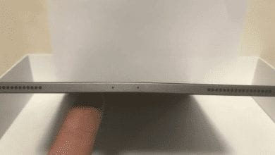 صورة آبل تؤكد أن بعض أجهزة iPad Pro 2018 تأتي بإنحناء بسيط في الهيكل الألومنيوم
