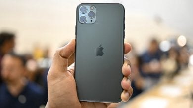 صورة إشاعة جديدة تقترح وصول أول هاتف iPhone خالي تمامًا من المنافذ في العام 2021