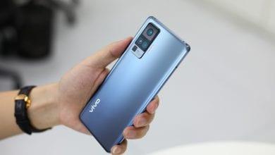 صورة الهاتف Vivo X50 Pro يظهر في صور واقعية، وإليكم مواصفات شقيقه الأصغر Vivo X50