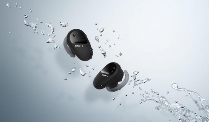 تأتي سماعات الأذن WF-SP800N TWS من سوني مزودة بإلغاء ضوضاء نشط وعمر بطارية يصل إلى 26 ساعة