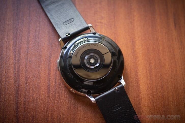 تحتوي ساعة Galaxy Watch القادمة من Samsung على متغير من التيتانيوم