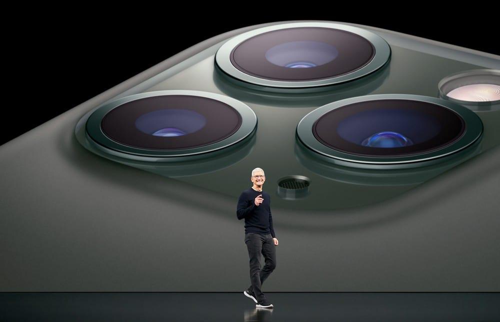 Apple company - tim cook - iphone camera