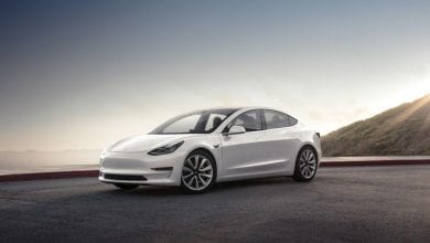 Photo of 2020 Tesla Model S vs. 2020 Tesla Model 3: أيهما يأتي على القمة؟