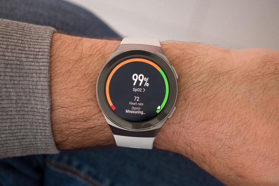 يعمل مقياس التأكسج النبضي لهاتف Huawei Watch GT 2e - مراجعة Huawei Watch GT 2e