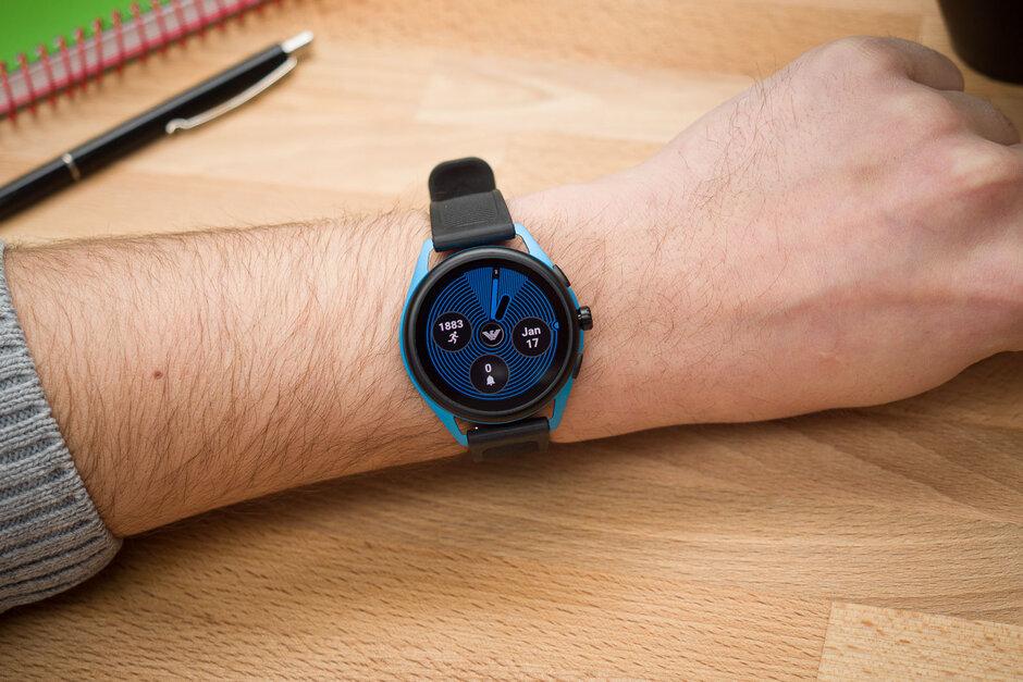 إمبوريو أرماني Smartwatch-3-Review001.jpg