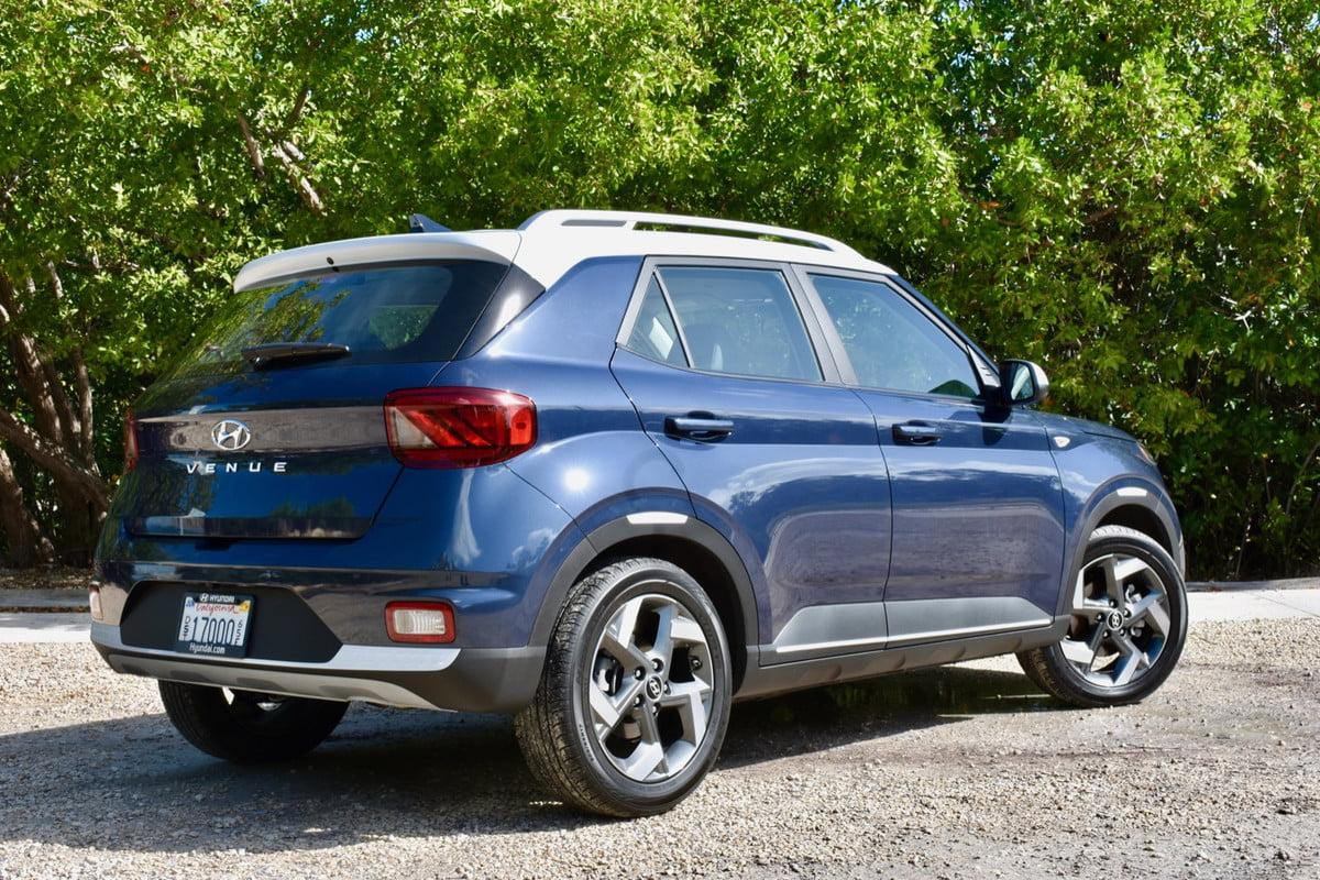 2020 Hyundai Venue القيادة الأولى