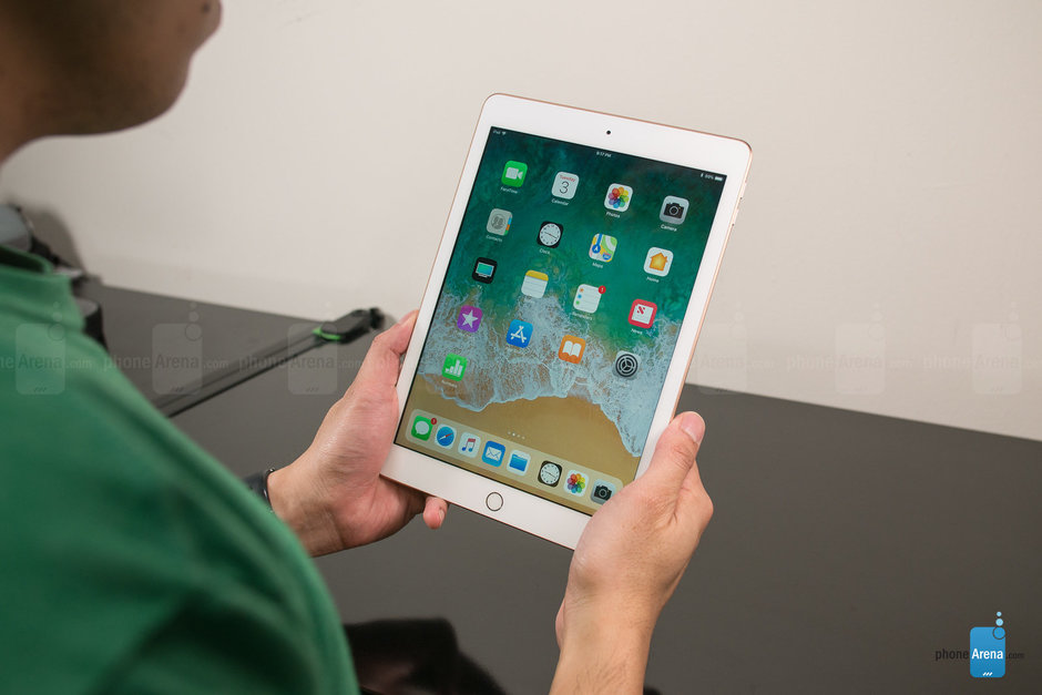 Apple-iPad-2018-Review019.jpg