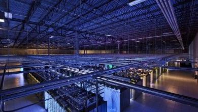 جوجل تستخدم الذكاء الاصطناعي لتشغيل أنظمة تبريد مركز البيانات الخاص بها