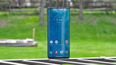 صورة إن Motorola Edge + أرخص بالفعل بـ 200 دولار في Verizon