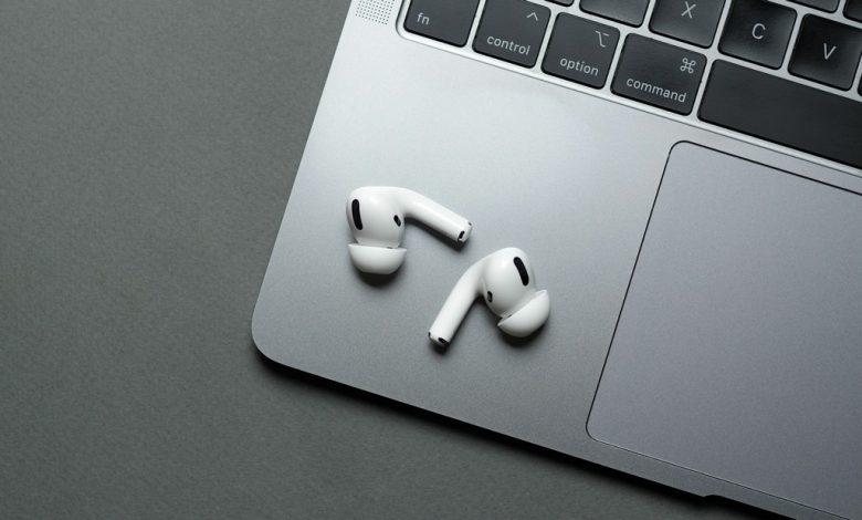 صورة حصة آبل في سوق سماعات الأذن اللاسلكية الحقيقية تنكمش على الرغم من نمو المبيعات
