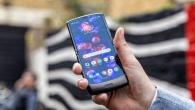Photo of إشاعة جديدة تقترح قدوم الهاتف Motorola Razr 2020 مع شاشة أكبر