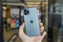 صورة بعض هواتف iPhone 11 تعرض لون أخضر غريب في شاشاتها
