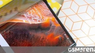 Photo of تتبنى شركة Xiaomi و Huawei اعتماد UTG للهواتف القابلة للطي المستقبلية