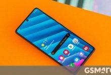 صورة يأتي Samsung Galaxy S20 Fan Edition مزودًا بشاشة 120 هرتز ، وتصنيف IP68