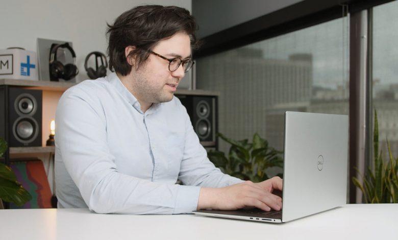 صورة مراجعة  الحاسوب المحمول : Dell XPS 17