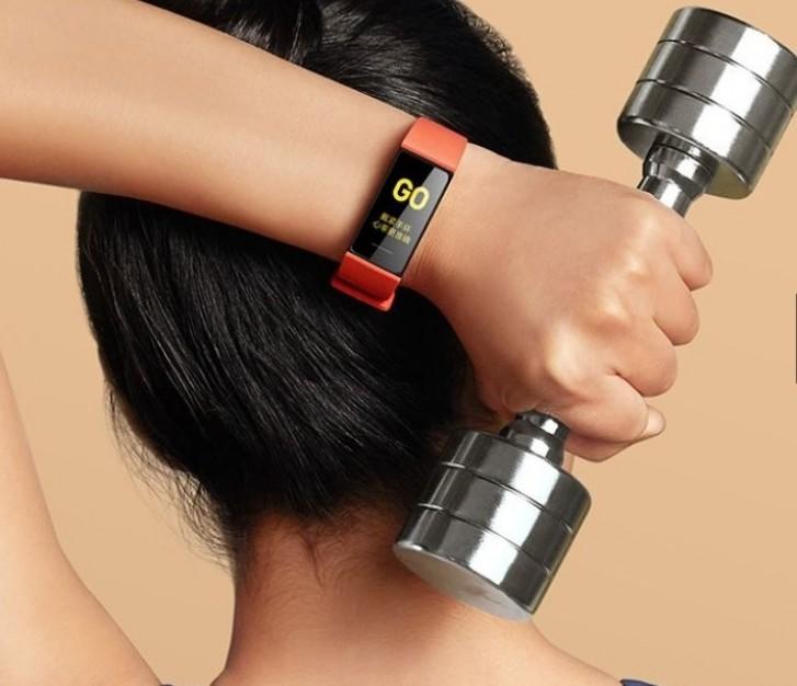 Xiaomi Mi Smart Band 4C يتعقب معدل ضربات القلب بسعر رخيص