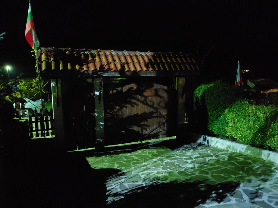 الصور التي تم التقاطها باستخدام وضع العرض الليلي أو بدونه على LG G8X - LG G8X ومراجعة الشاشة المزدوجة