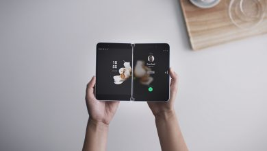 صورة الهاتف المُزدوج الشاشة Surface Duo من مايكروسوفت متاح الآن للشراء بسعر يبدأ من 1400$