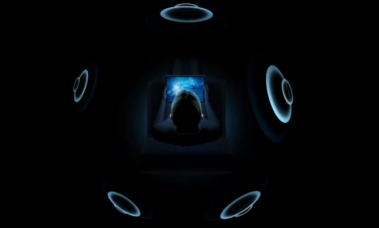صورة سماعات AirPods Pro تحصل على خاصية Spatial Audio مع التحديث الأخير