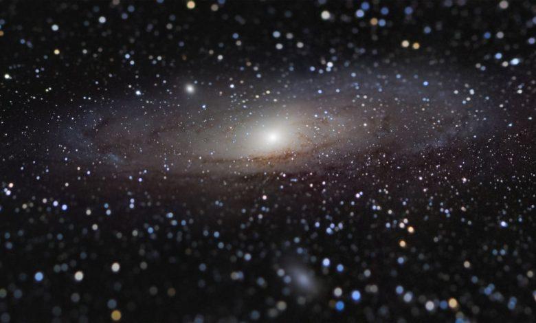 صورة لقطة أندروميدا الرائعة تفوز بـ 10000 جنيه إسترليني لمصور علم الفلك لهذا العام
