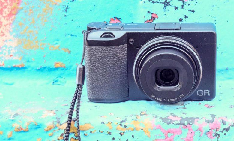 صورة مراجعة ريكو GR III |  عالم الكاميرا الرقمية