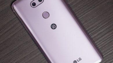 صورة مراجعة هاتف LG V30