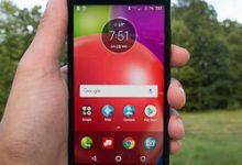 صورة مراجعة هاتف Motorola Moto E4