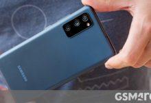 صورة تقرير: سامسونج تتصدر مبيعات الهواتف الذكية العالمية في أغسطس ، وتوسع الفجوة مع Huawei